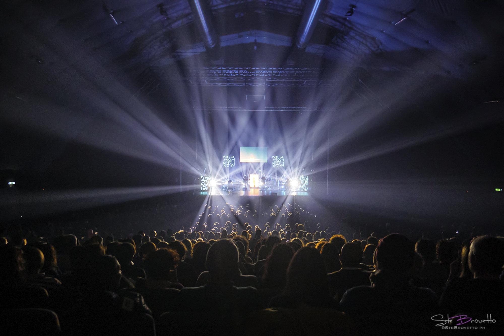 Niccolò Fabi Tour 2019-2020 / Lighting design: Fabrizio Valinotti